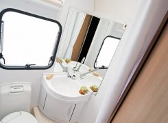 1200x798-CARAVANS_Caravans-Interior-features_Aviva_06_507_AVIVA_512_PT_bathroom_4BC_6146